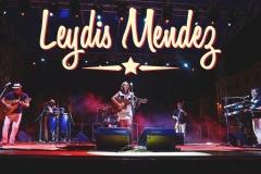 Leydis Mendez Y Carretera Central