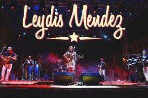 Leydis Mendez Y Carretera Central - Carpino in Folk